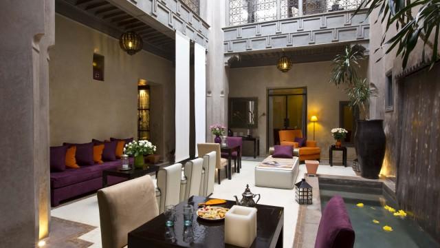 Maison d'hôtes dans la médina de Marrakech. 6 chambres, bassin, raffiné, élégant, magnifique riad à deux pas du palais Bahia