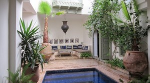 Two patios, pool, hammam, refined decoration, beautiful riad near the Place