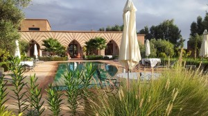 Très belle villa de 6 chambres, piscine, à 10 minutes des golfs d'Amelkis et Royal