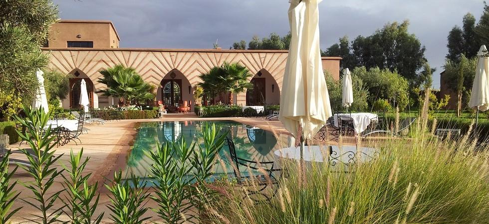 Maison d'hôtes à 20 minutes de Marrakech. Très belle villa, spacieuse, piscine , à quelques minutes des golfs