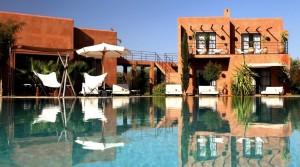 Villa contemporaine aménagée par Ludovic Petit. Beaux volumes, piscine, hammam spa, pas une faute de goût