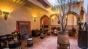 Very beautiful riad not far from the plaza, 6 bedrooms and jacuzzi on the terrace