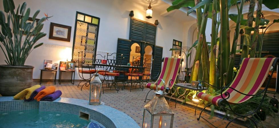 Maison d'hôtes de 5 chambres. Authentique riad avec piscine, proche de la place Jamaâ El Fna