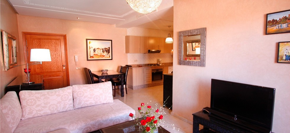 Appartement dans le Gueliz, 2 chambres, piscine dans la résidence, parking en sous-sol, proche de toutes commodités