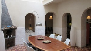 Beautiful riad. Authentic, refined, how wonderful close to the beach