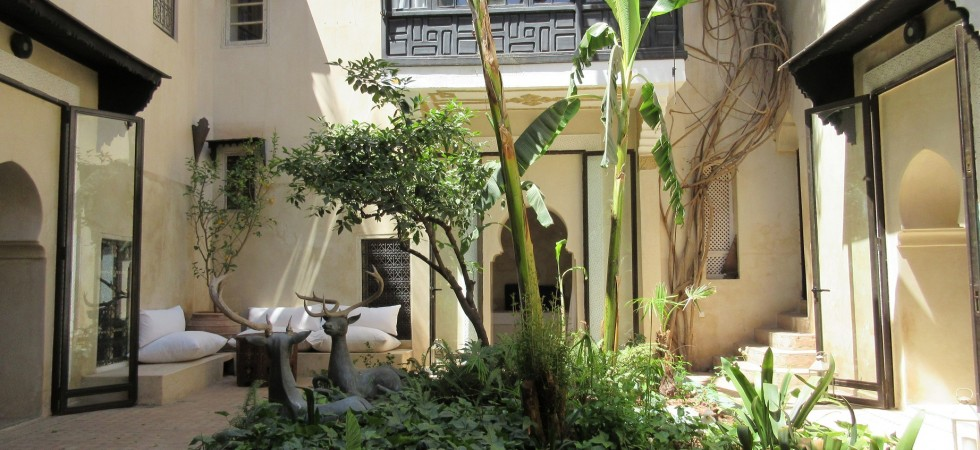 Beautiful riad with a lovely patio. Integrated garage, rare, so exceptional