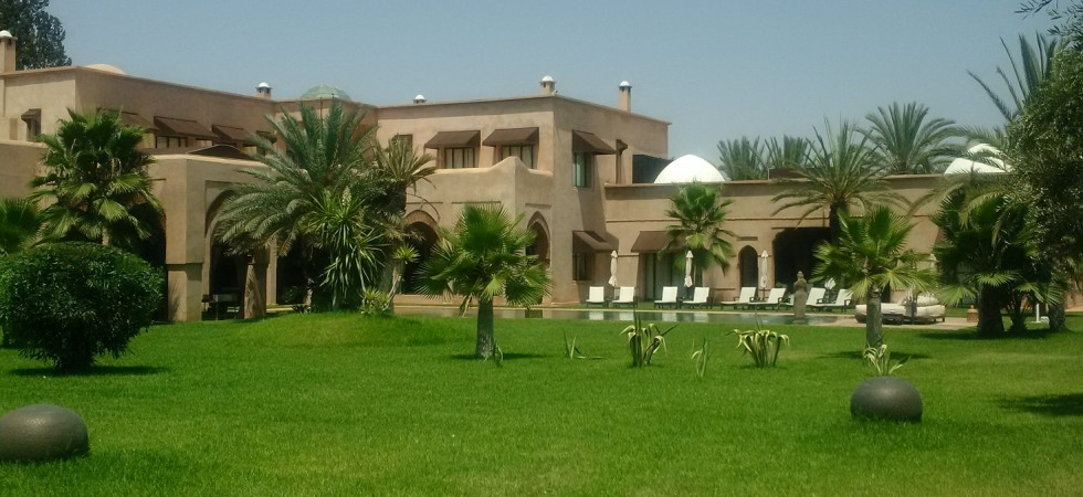 Exceptionnelle en tout point. Somptueuse villa située dans la palmeraie