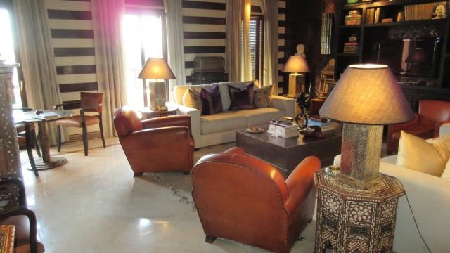 Appartement de haut standing. Deux chambres, magnifique salon, belle terrasse, avec emplacement parfait