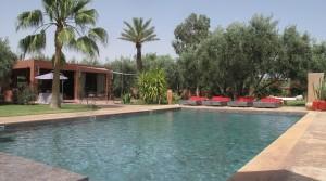 Très belle villa et son magnifique jardin à cinq minutes des golfs d'Amelkis et Royal