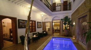 Very beautiful riad of 6 bedrooms and swimming pool. quality finishes, car access and excellent results