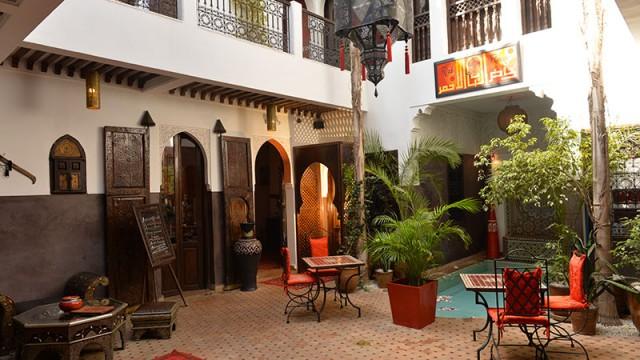 Magnifique riad avec accès voiture. 7 chambres, pisicne, jacuzzi sur la terrasse