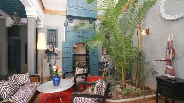 Riad de charme, 3 chambres, salon, cuisine, jacuzzi sur la terrasse, sans oublier l'excellence du quartier
