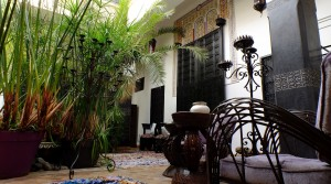 Authentic, beautiful riad of 5 bedrooms, hammam, ideally located in the medina
