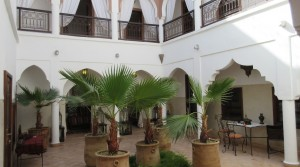 Beautiful private riad with a large patio and 7 bedrooms. convenient car access