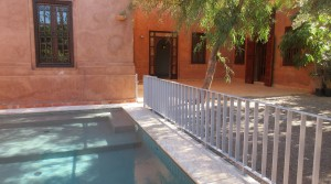 Beautiful villa in a private residence, swimming pool, near the Medina and town center