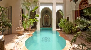 Wonderful riad, double patio, pool, beautiful terrace and car access live