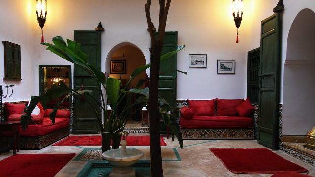 Maison d'hôtes de 5 chambres, riad traditionnel ou le calme est maitre mot