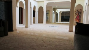 Beautiful riad, 5 bedrooms, hammam, lift, with car access
