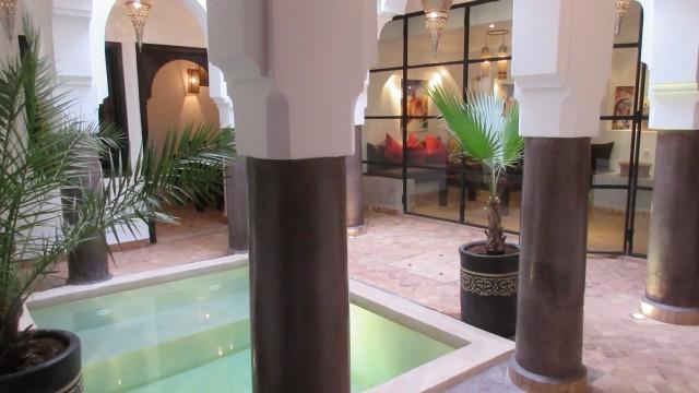 Magnifique riad de 4 chambres, bassin, grand salon, belle terrasse, à proximité du palais Bahia