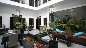 Very beautiful riad of 7 bedrooms, hammam, jacuzzi, two minutes from Jemaa El Fna Square