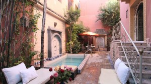Belle villa de 10 chambres, piscine, en plein centre-ville