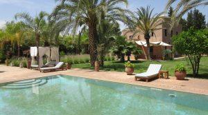 Superbe villa de 7 chambres, piscine, hammam, à 15 minutes du centre-ville