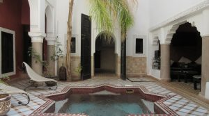 5 bedrooms, pool, hammam, ranking second category, located in an excellent district