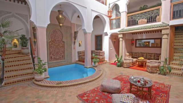 Magnifique maison d'hôtes de 6 chambres situé dans la médina de Marrakech. Emplacement parfait, à proximité des lieux incontournables à visiter