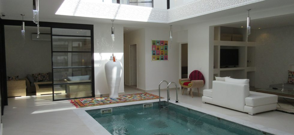 Next to the Mamounia, luxurious contemporary riad, swimming pool, hammam and Jacuzzi on the terrace