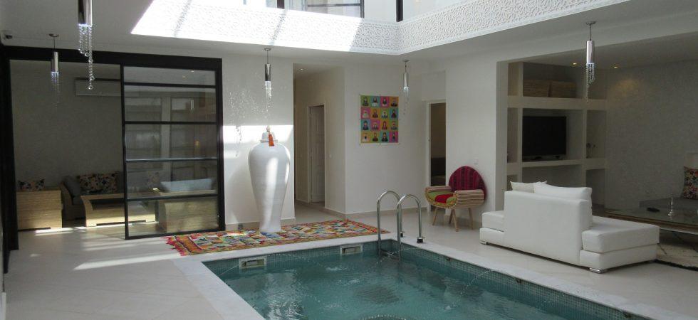 Voisin de la Mamounia, luxueux riad contemporain, piscine, hammam et jacuzzi sur la terrasse