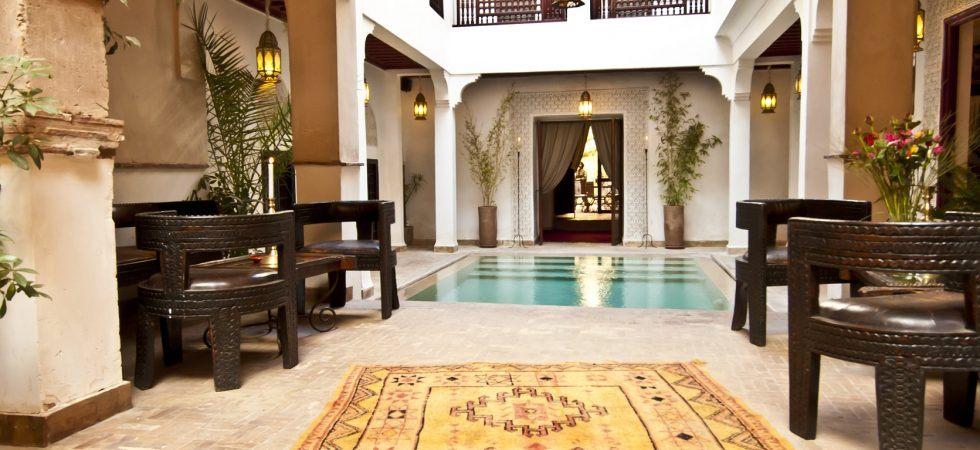 Magnifique riad de 17 chambres avec piscine et hammam. Emplacement parfait avec accès voiture