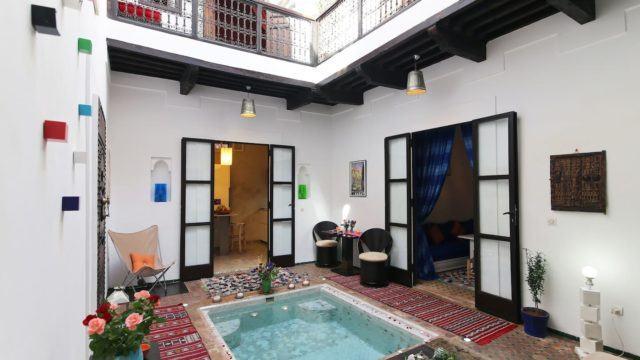 Somptueux petit riad dans la médina de Marrakech. 2 chambres, bassin, splendide terrasse, situé dans un excellent quartier