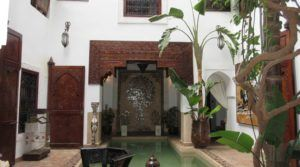 Sumptuous riad private of 4 bedrooms, swimming pool, hammam, located close to the place Jamaâ El Fna