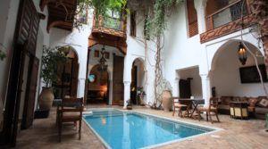 Authentique, magnifique riad composé de deux patios, piscine, dans l'un des meilleurs quartiers de la médina