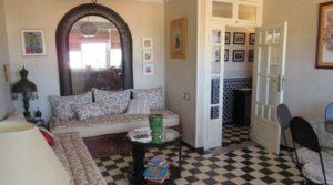 Appartement avec terrasse aux pieds du palais Bahia, accès voiture devant la porte