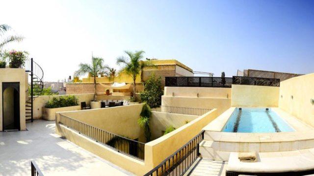Exceptionnel riad d'architecte haut de gamme. 6 belles chambres, piscine chauffée sur la splendide terrasse, une qualité de finition remarquable avec décoration raffinée