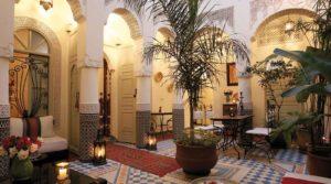 Entre la place Jamaâ El Fna et la place des épices, magnifique riad authentique plein de charme