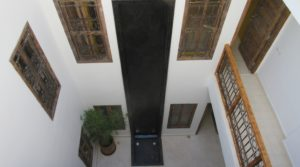 Located in one of the best district, once furnished and decorated, for sure, a beautiful place with a rental return to the key. Great potential for all projects