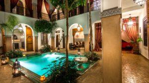 8 belles chambres, piscine, spa, situé dans un excellent quartier