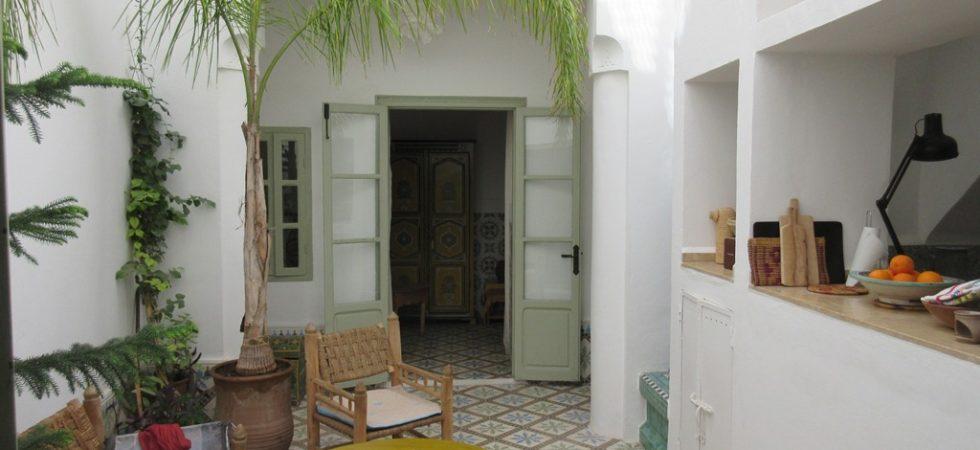 Magnifique pied à terre à 10 minutes de la place. 3 chambres, magnifique salon et splendide terrasse avec une très belle vue. Pour passer de bons moments en famille ou entre amis
