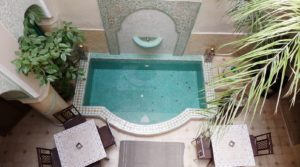 Beautiful riad, pool, car access and good rental yield