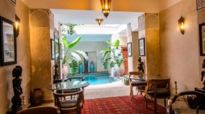 Riad of the 18th century, double patio, hammam, swimming pool, excellent district