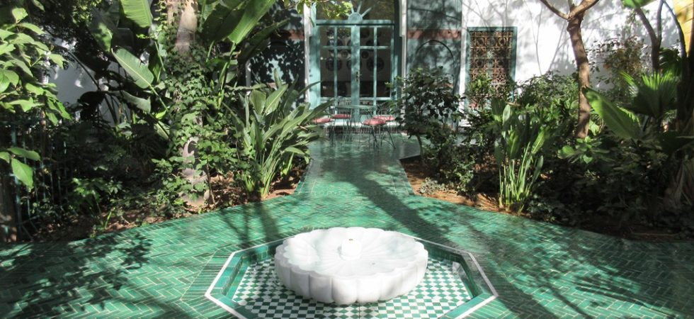 Luxurious riad offering exceptional services in all respects. If perfection does not exist, he touches it with his fingertips. Worthy of a palace, able to become it according to the project
