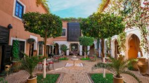 Riad shop hotel, patios, swimming pool, spa, excellent district with direct access