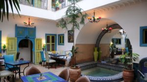 Charming guest house with harmonious colors. Pool and beautiful accommodation capacity
