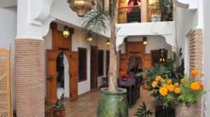 Superb riad adjoining the garden of Agdal, near the royal palace with parking 250 meters