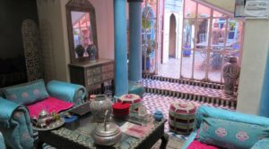 Atypical, two patios, 6 bedrooms, beldi hammam and beautiful terrace overlooking the Jamaâ El Fna square