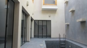 Contemporary riad, swimming pool and car access