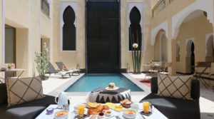 3 minutes from Jemaa El Fna square, swimming pool, hammam and garage