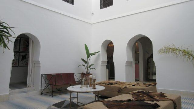Magnifique riad de 3 chambres ou il fait bon vivre. Elégant, chic et confortable, se petit havre de paix ne peut vous laisser indifférents